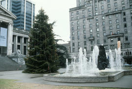 Christmas tree at Vancouver Art Gallery