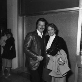 Robert Goulet and unidentified woman