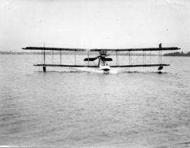 [Landing of seaplane carrying Mayor L.D. Taylor, Major [Tudhope?] and Captain Glover of the B.C. ...