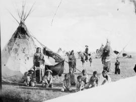 Group of Blackfeet Indians and Mounted Police, Gleichen, N.W.T.