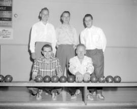 [Group portrait of the West Vancouver Bowlers]