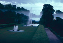 Gardens - United Kingdom : fountains at Chatsworth