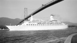 M.S. Island Princess [passing under Lions Gate Bridge]