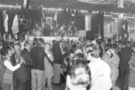 Oktoberfest '71 in Showmart : [couples dancing]