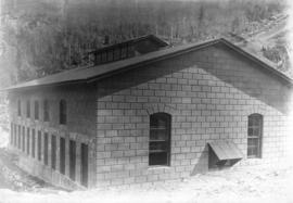 [Buntzen Lake Dam powerhouse under construction]