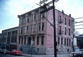[View of the Victoria House Rooms apartment building on] 514 Homer [Street]