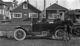 [Car and passengers at 1820 Waterloo Street]