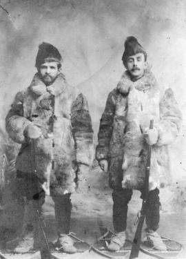 [Men outfitted in Klondyke gear by Clubb and Stewart]