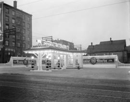 [Photograph of Imperial Oil gas station at night : job no. 226]