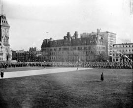 March past the Governor General, Ottawa, Nov[ember] 1915