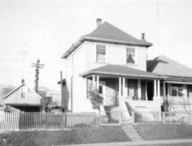 [View of one-storey house (ca 1910) at 1737 East Pender Street]