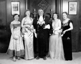 [Mrs. J. Diamond, Mrs. Fred Hume, Mayor Fred Hume, Mrs. Colin Campbell and Mrs. Buda Brown dresse...