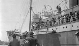 "S. S. ""Komagata Maru"" [and Canadian officials]"
