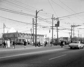 [The intersection of West Boulevard and West 41st Avenue]