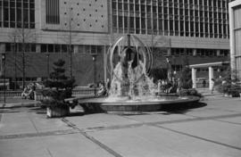 Queen Elizabeth Theatre Fountain