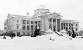 [The courthouse covered with snow]