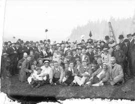 [Men, women and children assembled for sports meet at George Black's property, Hastings Town...