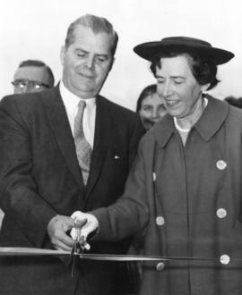 [W.A.C. Bennett cuts ribbon to open the new Squamish Highway]