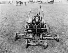 Gas-powered lawnmower