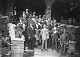 [Group photograph of the Vancouver Athletic Swimming Club]