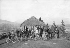 [The Vancouver Bicycle Club in front of the observation point ('summer house') at Prospect Point]