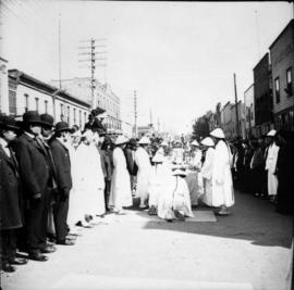 [Chinese] funeral, [in the unit block] Dupont Street (later East Pender Street)