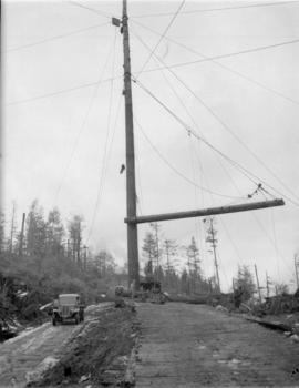 High rigging [for] Pacific Mills [on the] Queen Charlotte Islands