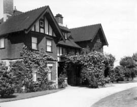 "[Exterior of General John W. Stewart's residence (""Roses"") - 1675 Angus Drive]"