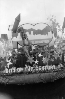 Centennial parade float by Gary Turner