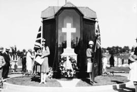 Soldiers' memorial service [ceremony at monument to members of the Seaforths killed at Vimy ...