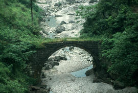 Landscape - general : Omei Shan old bridge