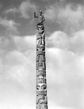 Totem [pole which originally stood in the Nisga'a village of Gitlakdamix]