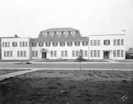 [Children's Aid Society's newly constructed children's home at 1655 West 10th Avenue]