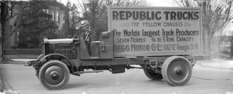 Model of republic truck the yellow chasis from begg for Walter motor truck company