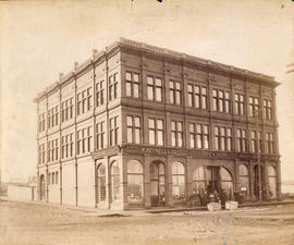 [Exterior of the Ferguson Building - S.W. corner of Hastings and Richards Streets]
