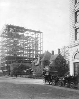 [View of the Metropolitan Building under construction - 839 Hastings Street]