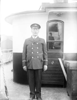 Bill Hodson, Captain of a Union Steamship vessel