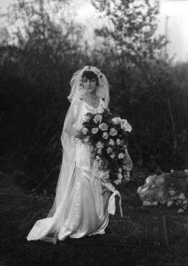 Fairfield Mills wedding [bride]