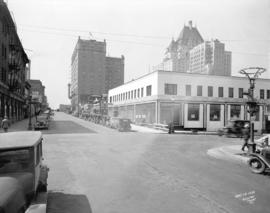 [View of Howe Street looking south from Dunsmuir Street]