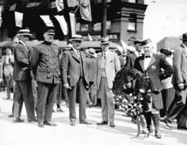 [Chief of Police and Mayor L.D. Taylor at outdoor celebration, possibly for Dominion Day]