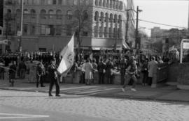 Victory Square, Remembrance Day onlookers, Hamilton Street - November 11, 1985