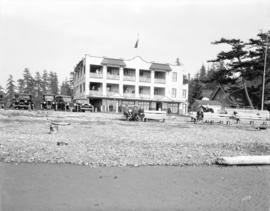 [J.A. Cates residence at Crescent Beach]