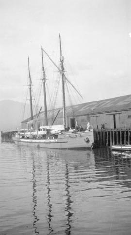 Aux. S. Lady Kindersley [at Evans, Coleman and Evans dock]