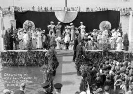 Crowning of Kitsilano Queen [Marjorie Wilson] by Mrs. G.G. McGeer
