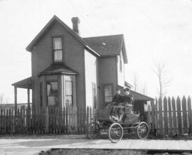 "[William Fenton and his mother in a ""locomobile"" in front of 602 Grove Avenue (Atlantic..."