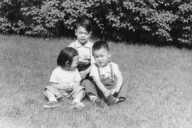 Lillian Wong and Vernon and Paul in Chicago with Irena [3 of 7]