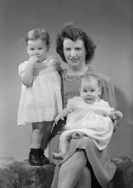 Mrs. M.J. Roche, 3254 Grandview Highway, New Westminster - pix of children