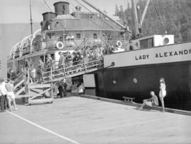 "[Passengers disembarking from the ""Lady Alexandra""]"