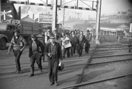 [Workers arriving at Burrard Drydocks]