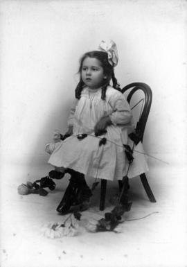 "[""Dorothy, 3 1/2 yrs"" possibly child of Alfred T. Layne and Daisy D'Avara]"